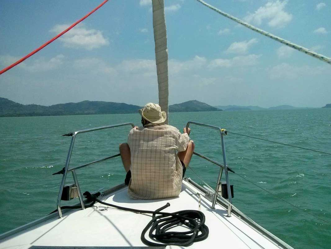 Sailing on a bow