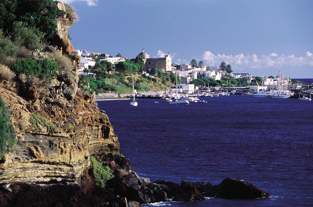 Salina is the greenest island on our sailing route in Sicily.