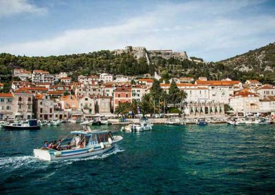 entering-hvar-panorama-croatia-meidum-900