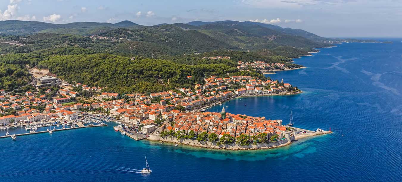 Korcula is like a little Split and Dubrovnik combined together!